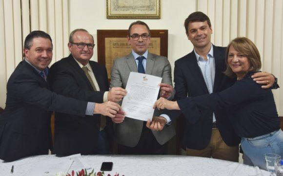 """Santa Casa e IPE – Saúde do RS assinam contrato de extensão dos serviços de oncologia para Unidade Oncológica """"Marina Ramos"""""""