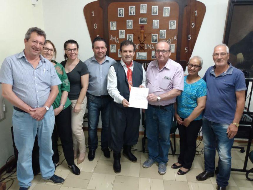 Deputado Pompeo de Mattos visita a Santa Casa e anuncia Emenda de Custeio de R$ 150 mil para a Instituição